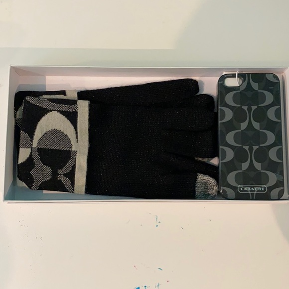 Coach Glove and Phone Case Set